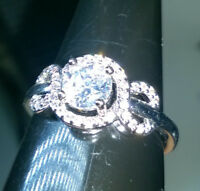 WHITE GOLD FILLED RING+  ROUND CUT SIMULATED DIAMOND DESIGN SIZE S OR 59