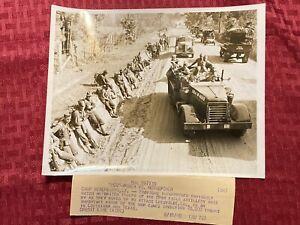 """1940 Original ACME News Photo """"'Dog'-Power VS. Horsepower"""" 05/18/40"""