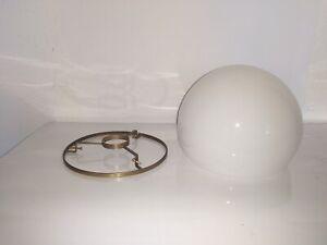 Milchglas Schirm Nachbau für Wagenfeld Lampe, mit Halterunge Messing Farbe