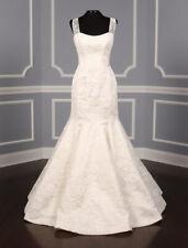 NEW Steven Birnbaum Satine Lt Ivory Sleeveless Trumpet V-Back Lace Wedding Dress