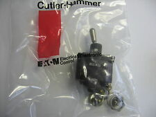 Cutler Hammer 8511K11 Momentary Toggle Switch DPST, AC/DC Caterpillar 8T-9637