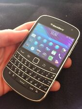 BlackBerry Bold 9900 - 8GB - Black ( QWERTZ ) Smartphone Factory Sealed