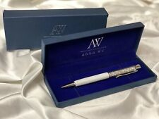 Fashion Swarovski Element Crystal Pens with Anna Wu Collection Gift Case White