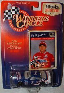 1997 Winners Circle Jeff Gordon #1 Carolina Ford Dealers NASCAR 1:64 Stock Car