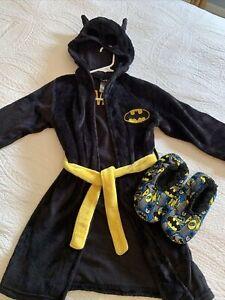 Boys Hooded Batman Robe & Non SlipSlippers Size S ( 6/7 )