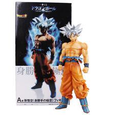DRAGON BALL SUPER - Goku Ultra Instinct figurine. Taille 26 cm.