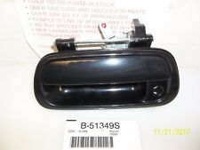 00 01 02 03 04 05 06 TOYOTA TUNDRA TAILGATE HANDLE SMOOTH WITH KEY HOLE