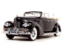 1939 LINCOLN V12 SUNSHINE LIMOUSINE WITH FLAGS 1/24 BY ROAD SIGNATURE 24088