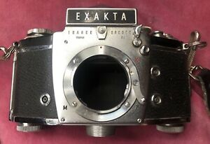 Exakta Varex 11a Vintage 35mm Camera with Spare Lens And Manuals