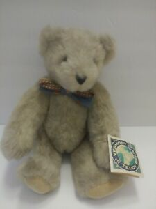 THE VERMONT CO. THE TEDDY BEAR 1995 WITH TAGS  Blue Bowtie