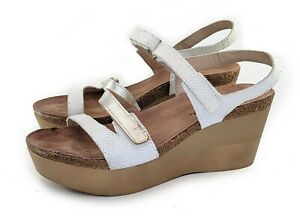 Naot Canaan Sandals White Snake Leather Metallic Silver Size 40 US 9 M