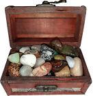 Lot découverte 32 pierres semi précieuses en boîte au trésor