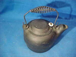 Early 20thc SIDNEY Hollow Ware CHILDS Size CAST IRON TEA KETTLE