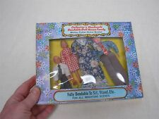 4 VINTAGE SHACKMAN OLD FASHIONED DRESSED DOLL HOUSE FAMILY ~ MINT IN BOX 1112