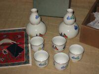 Japanese Fukagawa Porcelain Sake Set Gold Trim 2 Bottles & 5 Cups - Original Box