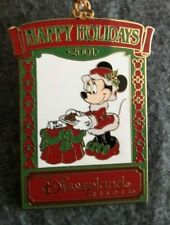 DISNEYLAND PIN BADGE - Minnie Christmas 2001 Ornament / Pin - 14TH DECEMBER 2001