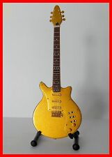 QUEEN - GUITARE MINIATURE SPECIAL GOLD ! Collection BRIAN MAY Freddie Mercury Or