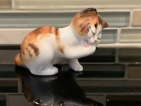"Vintage ROYAL DOULTON BONE CHINA TABBY CAT FIGURINE 2 X 3"" HN2583"