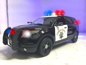 California Highway Patrol CHP 1/18 Ford Explorer SUV WORKING LED LIGHTS 4 SIREN