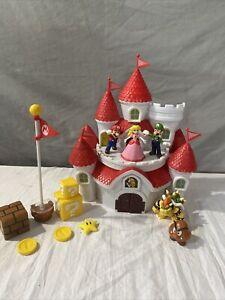 Nintendo Super Mario Deluxe Mushroom Kingdom Castle Playset USED