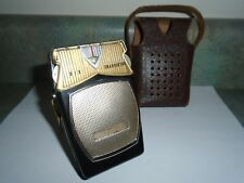 Vintage GLOBAL transistor radio GR-11 unusual screw on back, Japan rare