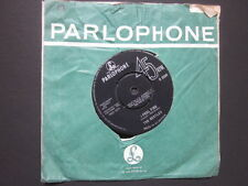 "THE BEATLES - 7"" Single - I FEEL FINE / SHE'S A WOMAN - R5200"