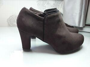Brown Ladies Suedette Boots Size 3 Excellent Condition