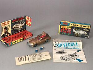 1/43 Corgi Toys  JAMES BOND 007 ASTON MARTIN DB 5 GOLDFINGER, Boxed and Complete