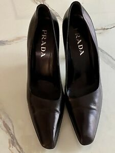 Prada Classic Black Leather Pumps With Asymmetrical Accent - 39, 9