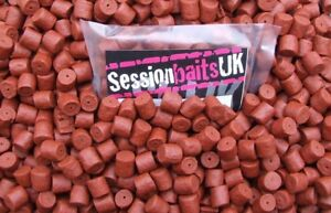 SPICY SAUSAGE PRE-DRILLED HALIBUT PELLETS HIGHLY FLAVOURED 14MM RED 80G