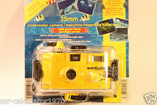 VINTAGE RETRO B-SQUARE 35MM UNDERWATER CAMERA