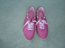 Vintage Butterflies Pink Women's Shoes in Size 8-1/2 used