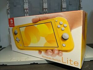 Nintendo Switch Lite - Yellow - Used