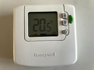 Honeywell DT 90E Thermostat