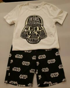 Boys 2pc GAP Star Wars Glow In The Dark Pajamas 10 - EUC Short Sleeves Shorts