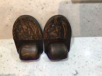 A Pair Of Art Nouveau Wooden Bookends. Oak. Classic Tulip Style Decoration c1910
