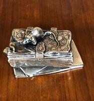 """Boîte en métal argenté de style Louis XV """"petite souris"""""""