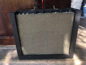 Harmony H410A vintage combo tube amp