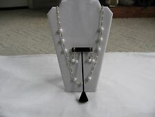 VTG WHITE PLASTIC BEAD FLAPPER NECKLACE & MATCHING CLIP ON EARRING SET HONG KONG