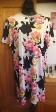 BNWT - NEXT OUTLET LIGHT GREY & FLORAL SHORT SLEEVE THIGH LENGTH TOP - SIZE 14