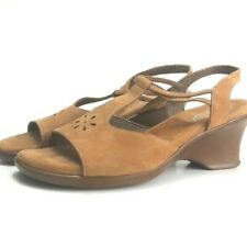 Munro Suede T-Strap Chunky Heel Sandals Size 11M