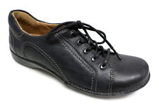 CLARKS Unstructured Black Oxfords Size 5 Sneakers Walking Shoes