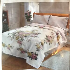 VICTORIA CLASSICS USA Superb Luxurious Bedspread Cover Silky Soft Floral 200x230