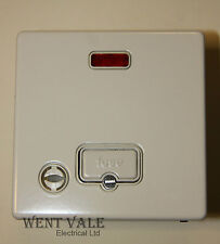 MK Aspect - K24978 WHI W - 13a Unswitched Fused Spur with Flex Outlet & Neon