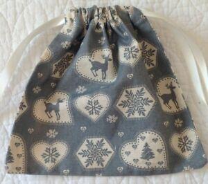 CHRISTMAS~ HANDMADE ~ FABRIC ~ REUSABLE  ~ 100% COTTON ~ GIFT BAGS ~ NEW
