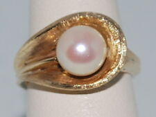 14kt Gold ring with a Pearl(June birthstone) and beautiful design