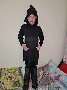 Boys Dress Up Costume Size 6-7Years Star Wars. Darth moul.