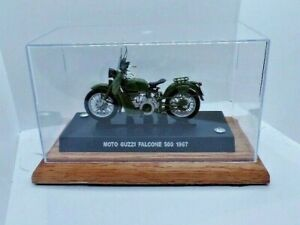 MOTO GUZZI FALCONE 500 -CARABINIERI, 1967  1:24th Scale NEW IN CLEAR CASE