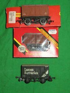 Hornby OO gauge boxed R011 & R205 Ventilated vans & Lima Lucas Batteries Van