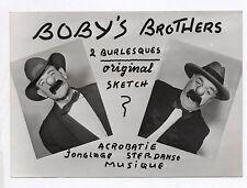 PHOTO PRESSE Spectacle Boby's Brothers Burlesque Acrobatie Clown Jonglage Nez